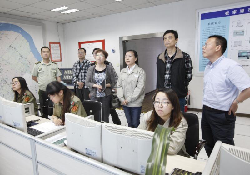 2013.06.09 镇江支队领导参观火灾监控中心